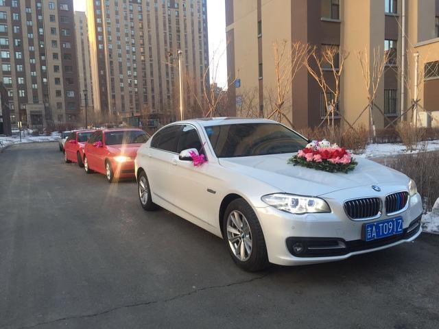 宝马红色4座跑,白色宝马4座敞篷跑车,阿特兹,马六婚礼车队租赁,婚礼